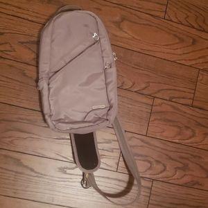 Travelon Anti-Theft Classic Sling Bag